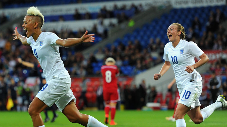 football-lianne-sanderson-celeb-wales-v-england-woemns-world-cup-qualifier_3193810