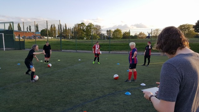 Corinne skill sharing the Cruyff Turn with others